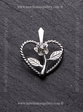 Heart Shaped Rose Pendant in Silver