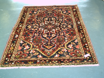 901802 Antique Bakhtiar 200 x 135cms Reduced by 25%