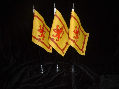Table Flag......................Scotland / Rampant Lion