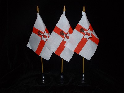 Table Flag...................Ireland / Red Hand Of Ulster