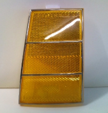 GM 913858 RH front side marker lamp