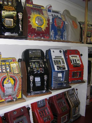 Information One Arm Bandit Slot Machine Specialists Henry Powell Automatics