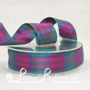 TAR25LINDS20M Lindsay Clan classic tartan ribbon 25mm x 20m roll