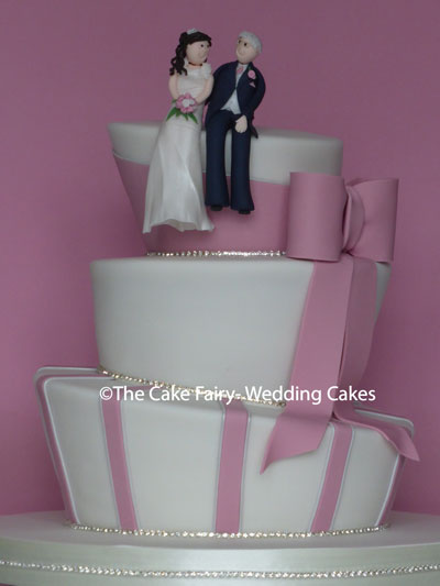RW85 WONKY DIAMANTE   Twinkly tiers with a handcrafted Bride + Groom topper