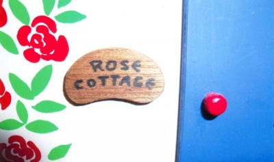 CH 153 Rose Cottage, built, decorated