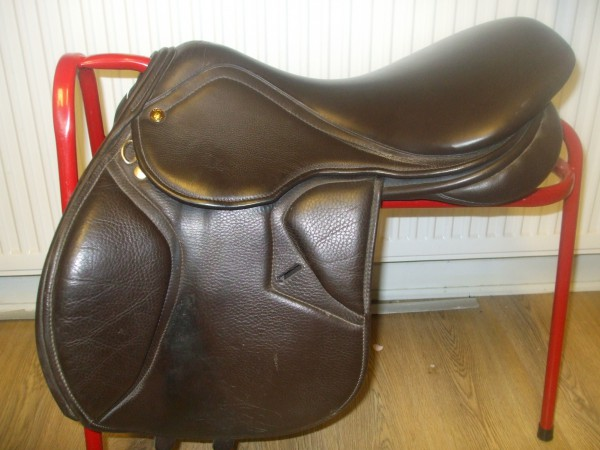 Second Hand Saddles for sale in Pristine Condition at Low Prices