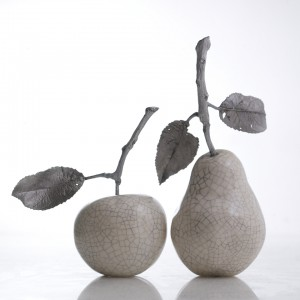 SILVER PEAR, BLACK PEAR, MATT WHITE PEAR ALL WITH METAL TWIG  1 LEAF