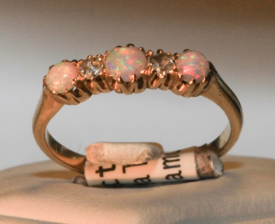 Ring 18 ct 3 opal & 2 diamond c1923