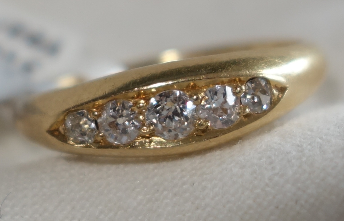 Ring 18ct Diamond 5-stone c1890