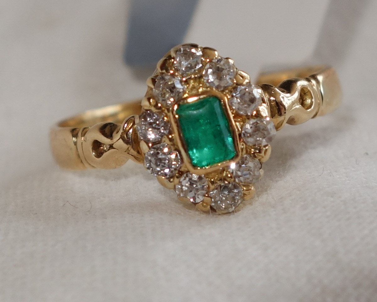 Ring 18ct Emerald & diam cluster  c1885