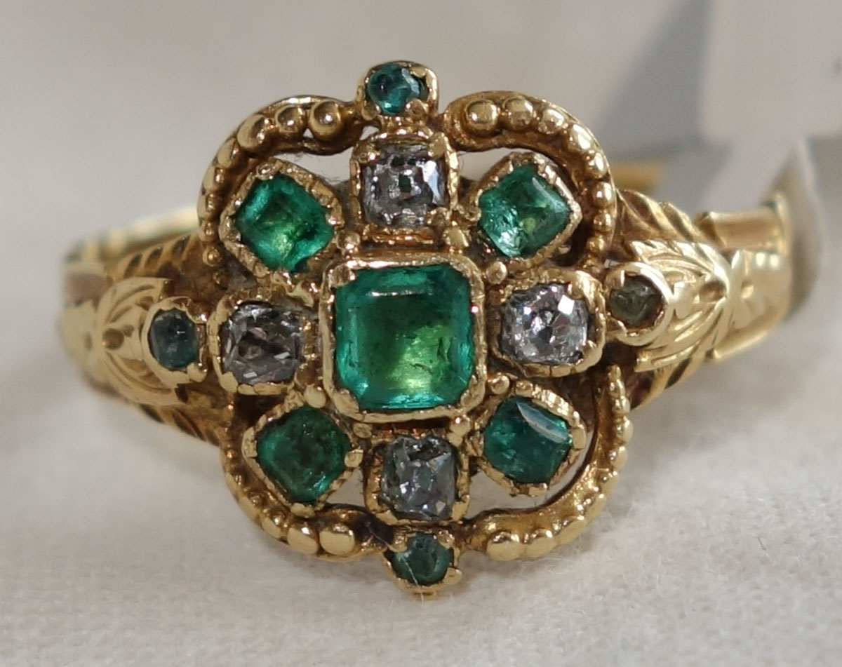 Ring Victorian Emerald & diamond c1850