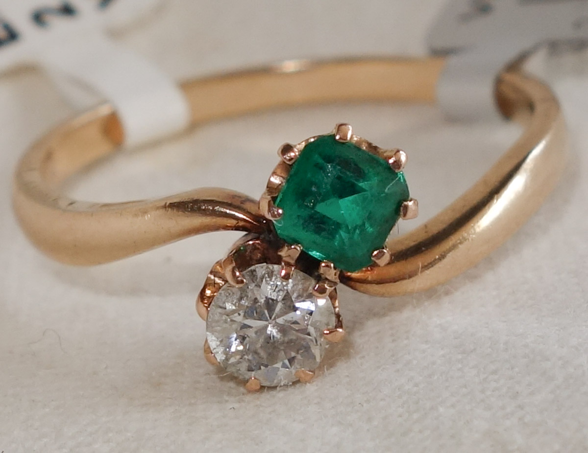 Ring 18ct Emerald & diamond 2-stone c1950