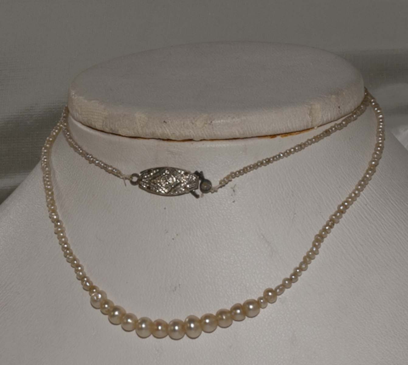Necklace Seed pearl and Grad Pearls c1900