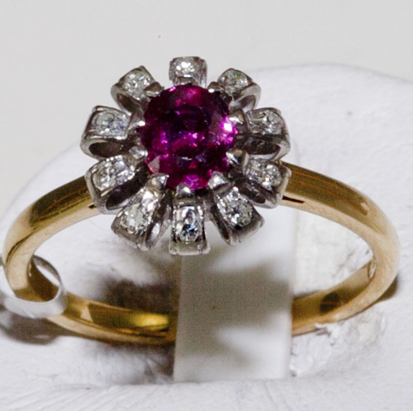 Ring 18ct Ruby and Diamond