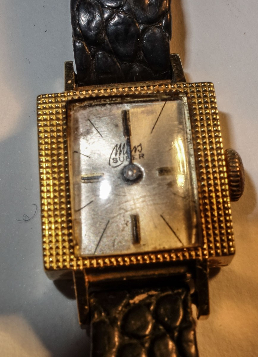 14 Ct Rare Mars Super Ladies Wist watch