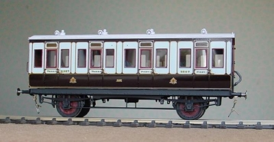 GLC14 LNWR / LMS 28 FEET 4 WHEEL FIRST/THIRD COMPOSITE D198