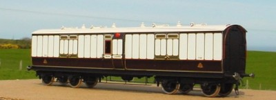 GLC22 LNWR / LMS 45 FEET ARC ROOF FULL BRAKE D381