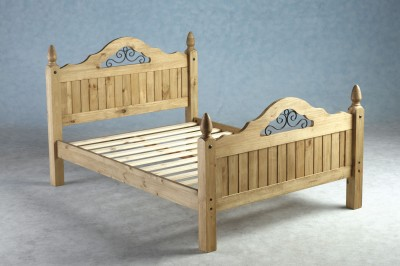 Corona scroll bed 4ft6