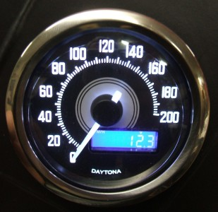 Small MINI ELECTRONIC CHROME SPEEDO MPH KPH Motorcycle Streetfighter Custom Cafe