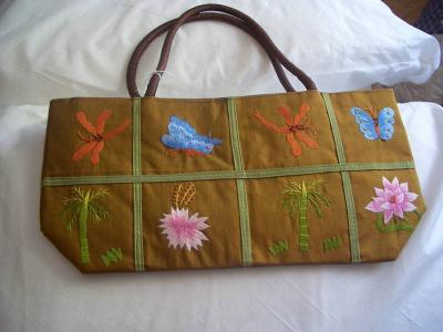 310230859709 Beautiful handcrafted handbag from Vietnam!!