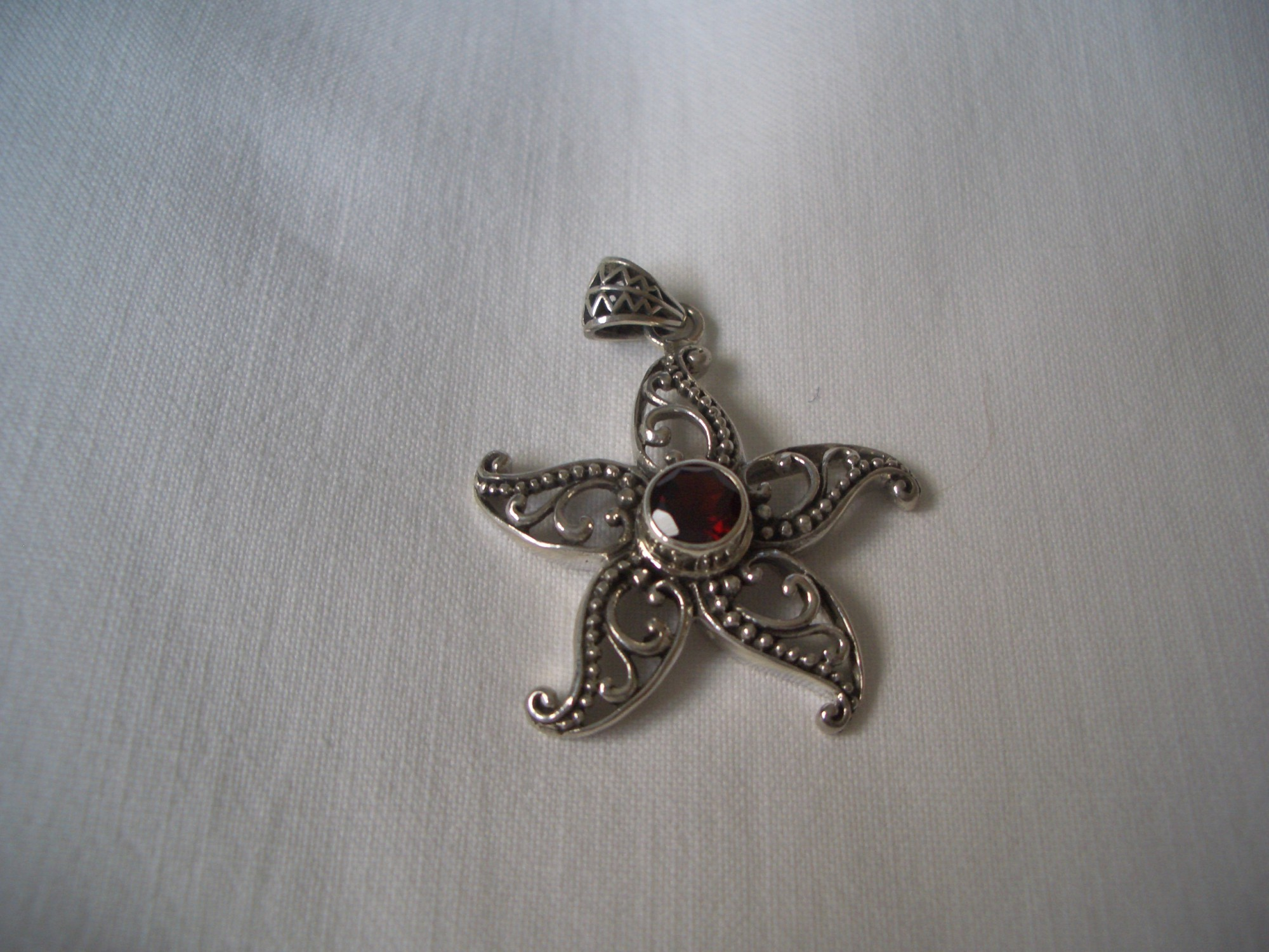 Sterling Silver Pendant With Garnet!not To Be Missed