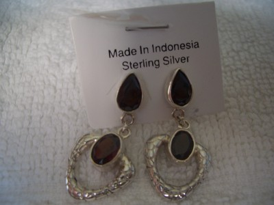 430 925 sterling silver earrings and garnet