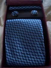 100% Silk Neck Ties, Cufflinks And Handkerchief !!!