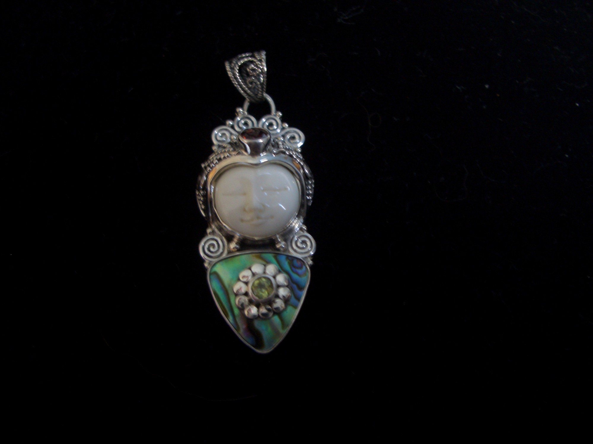 470 Sterling silver pendant Balinese Goddess with paua shell