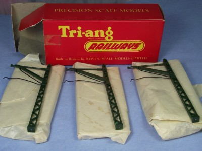 Tri-ang R300 Overhead catenary masts x 12 new!!