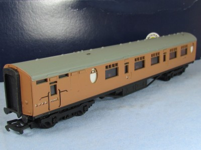 Bachmann 34-427 63' Thompson Composite Brake Post war LNER