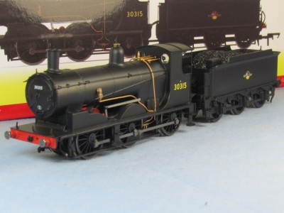 Hornby R3239 Drummond 700 Class 30315 in BR Black late crest