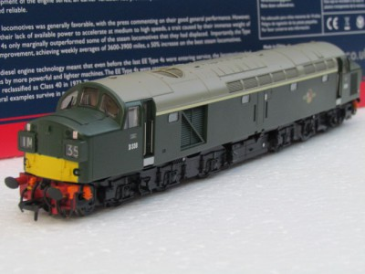 Bachmann 32-483 BR Class 40 D338 in BR green with split Box headcode