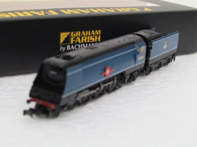 Graham Farish 372-310 Merchant Navy Class 35024 'East Asiatic Company' BR Express Blue Early Emblem