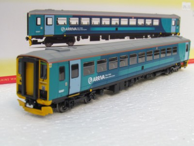 Hornby R3476 Class 153 DMU in Arriva Train Wales livery