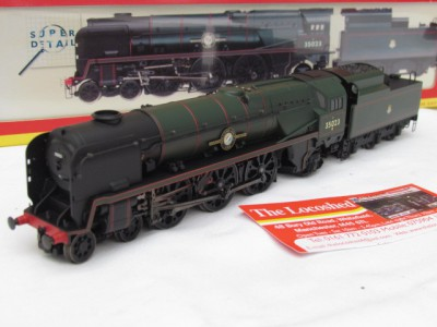 Hornby R2170 Merchant Navy Class 35023  'Holland Afrika Line' in BR Lined Green
