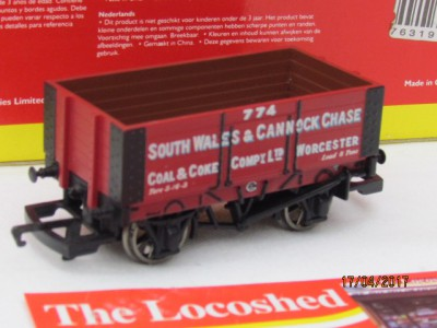 Hornby R6135 6 Plank Wagon 'South Wales & Cannock Chase'