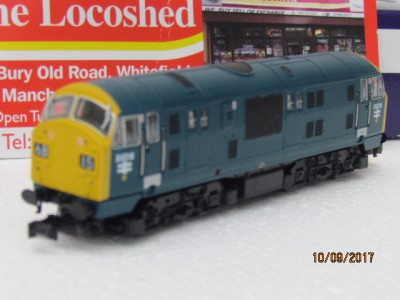 Dapol 2D-012-001 BR Blue Class 22 #D6318 With Full Yellow Warning Panel