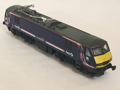 Hornby R3053A Class 90 Bo -Bo Electric in First Scotrail Livery