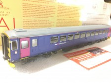 Hornby R3352 First Great Western Class 153 '153329'