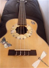 Customised ukulele-inlays