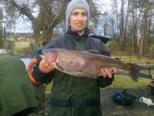 Dan Rodgers with7lb 2 oz rainbow part of his winning haul in Feb Comp