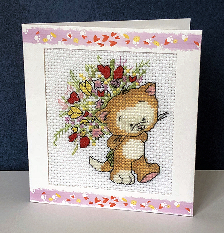 Cat Card: Cat 'with a bouquet of flowers' in Cross Stitch